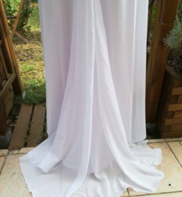 Robe de mariée en voile plissée
